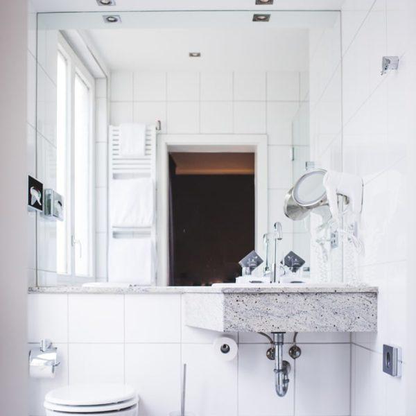 Das Bad im Premium Doppelzimmer