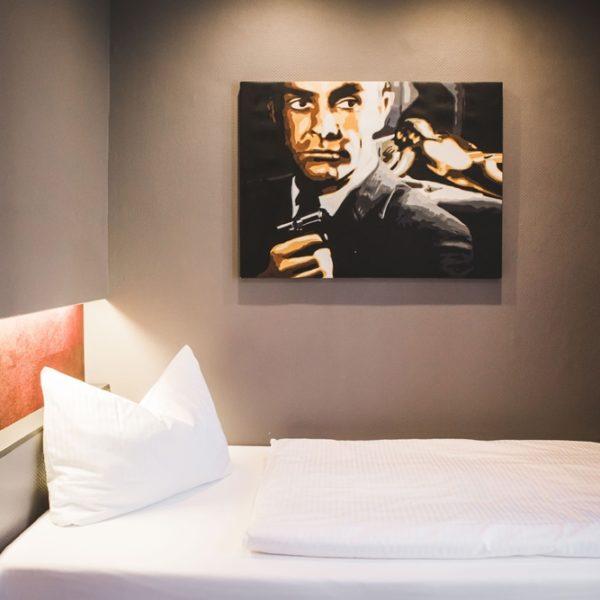 Das Bett im Einzelzimmer